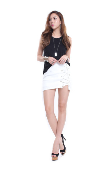PULL IT TOGETHER LACE UP SKORT (WHITE) image