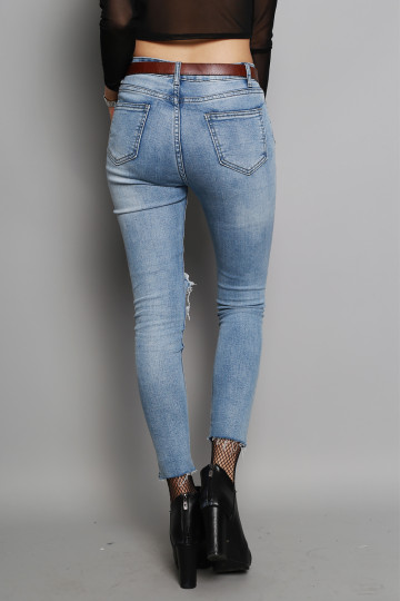 IT-GIRL RIPPED JEANS (LIGHT WASHED DENIM) (PREMIUM) image