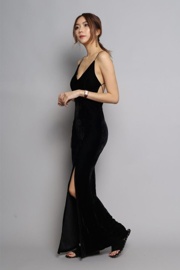 SIDEWALKS VELVET MAXI DRESS (BLACK) image