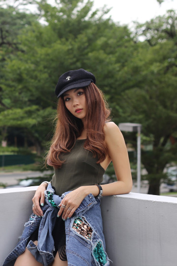 T-CHAIN TOP (OLIVE GREEN) image