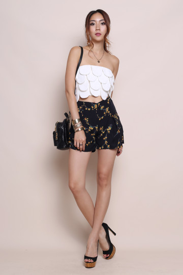 FLAUNT IT FLORA SHORTS (BLACK) image