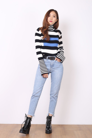 GI STRIPED KNIT TOP (WHITE) image