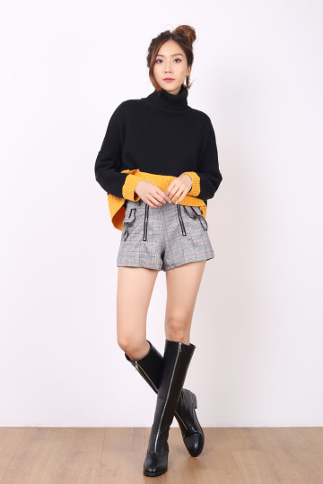 COLOR-BLOCK KNIT TOP (BLACK/MUSTARD) image
