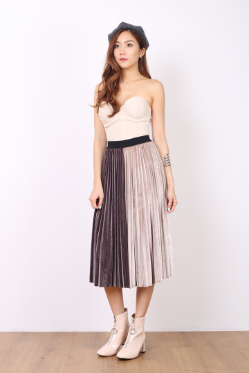 MORE PLEATS PLEASE SKIRT (GUNMETAL) image