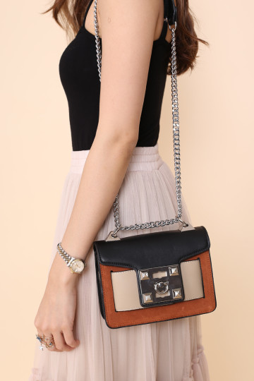 TOUS LES JOURS CHAIN BAG (BURNT UMBER) image