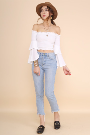 BELLE OFF-SHOULDER CROP TOP (WHITE)(BACKORDER) image