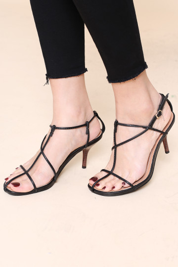 MAIN GIRL STRAPPY HEELED SANDALS (BLACK)(BACKORDER) image