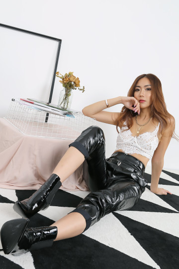LEATHERETTE FEVER PANTS (BLACK)(PREMIUM) image