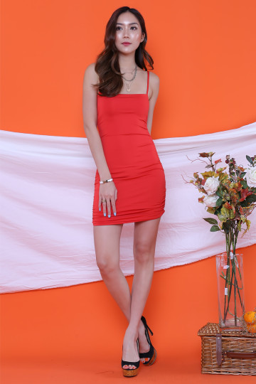 BEVERLY STRAIGHT NECK BODYCON DRESS (RED)(BACKORDER) image