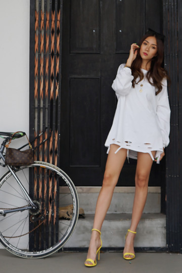 JETSET RIPPED SWEATER (WHITE) image