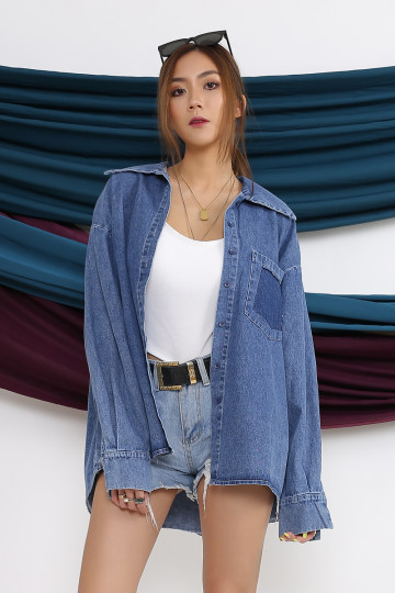 DENIM BOYFRIEND SHIRT (PREMIUM)(BACKORDER) image