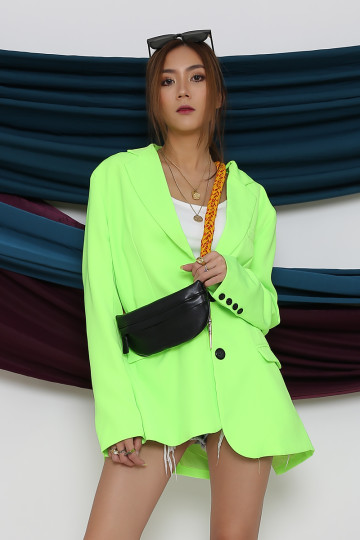 IN THE LIMELIGHT OVERSIZED BLAZER (PREMIUM) image