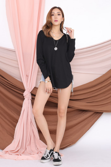 ARRIE BASIC LONG SLEEVE TOP (BLACK) image