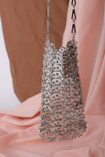 CHAIN MAIL CROSSBODY (SILVER) image
