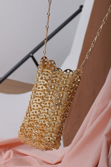 CHAIN MAIL CROSSBODY (GOLD) image