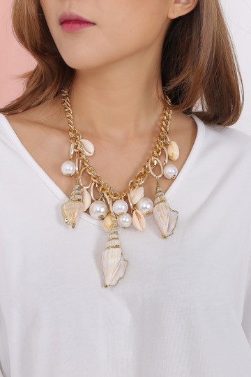 SEASHELLS OVERLOAD NECKLACE image