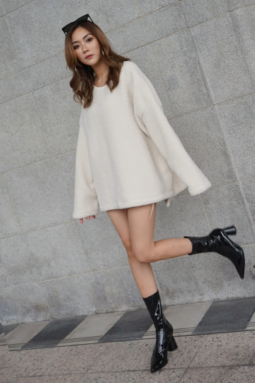 COZY FAUX FUR SWEATER (CREAM)(PREMIUM)(BACKORDER) image