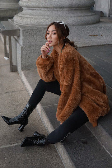KEEP ME WARM FAUX FUR JACKET (TEDDY BROWN)(PREMIUM)(BACKORDER) image