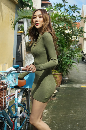 ZIP UP KNITTED DRESS (KHAKI GREEN) image