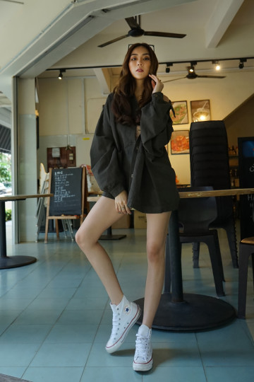 OVERSIZED TIMELESS OUTERWEAR (OLIVE GREEN)(PREMIUM) image